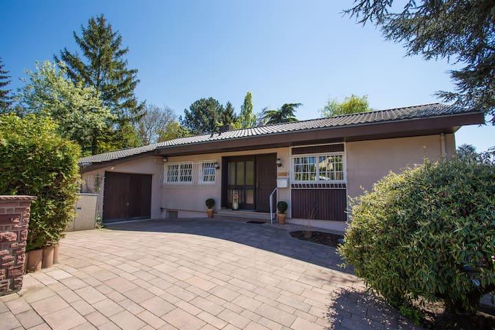 House: 100 sqm + 1500 sqm garden