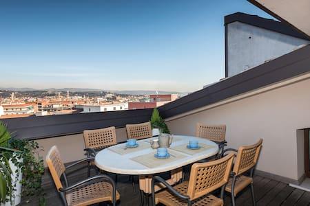 Panorama Apartment -with  views !!