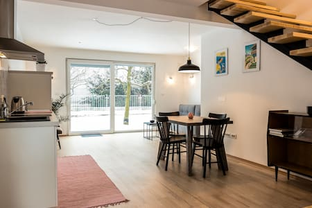 Bright new home with a garden and a parking