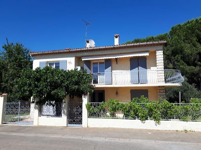 Caissargues的民宿
