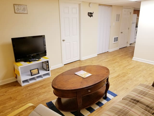 PRIVATE Basement Apt Near BWI & Baltimore + EXTRAS