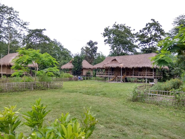 Natun Kulamora Chapori N.C.的民宿