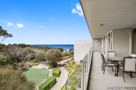 Apt 337 OnShore Torquay with Ocean & Garden Views