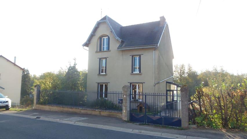 Pagny-sur-Meuse的民宿