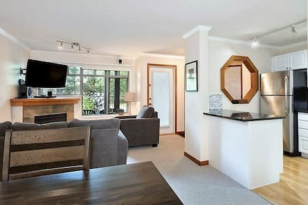 Prime location, 2Br/2Ba, with private HotTub & BBQ