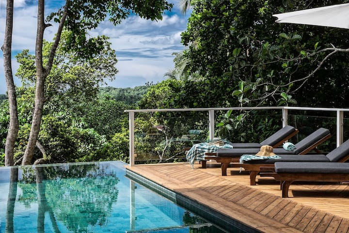 *LOCAL rates Pepper Jungle House