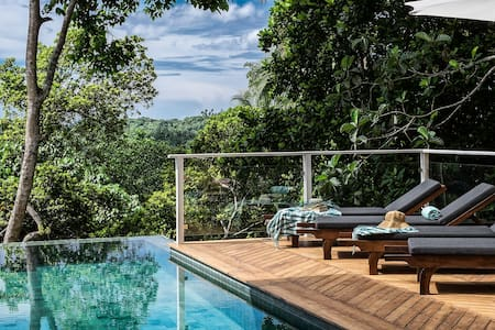 Pepper Jungle House, minutes from beach