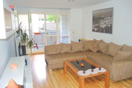 Apartment with balcony, central, quiet & renovated