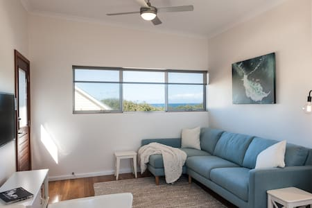 Laurina Apartment - Seaside Luxury with Oceanviews