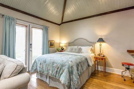 Historic Renovated Downtown Phoenix Guesthouse