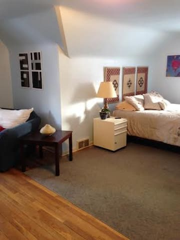 Large Sunny Room in cozy shared house.