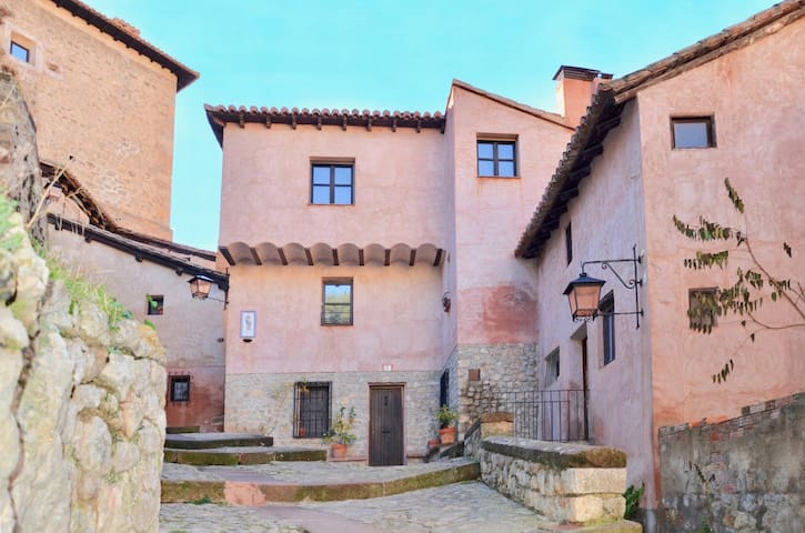 COZY HOME IN THE OLD VILLAGE CENTER OF ALBARRACIN