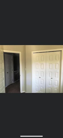 Private Room for a lovely couple & or Singles