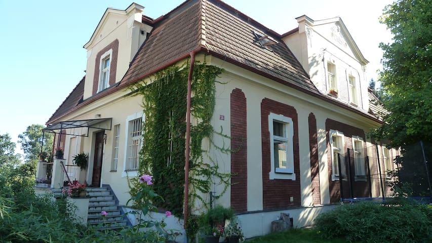 Mnichovice的民宿