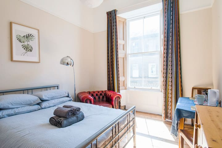Sunny Room in Old Victorian Flat