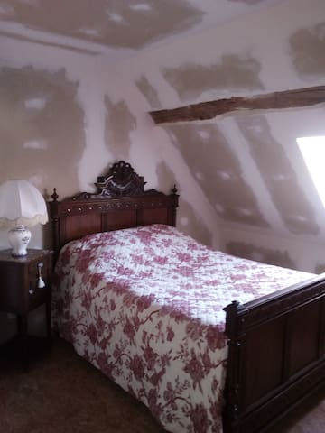 Sury-és-Bois的民宿