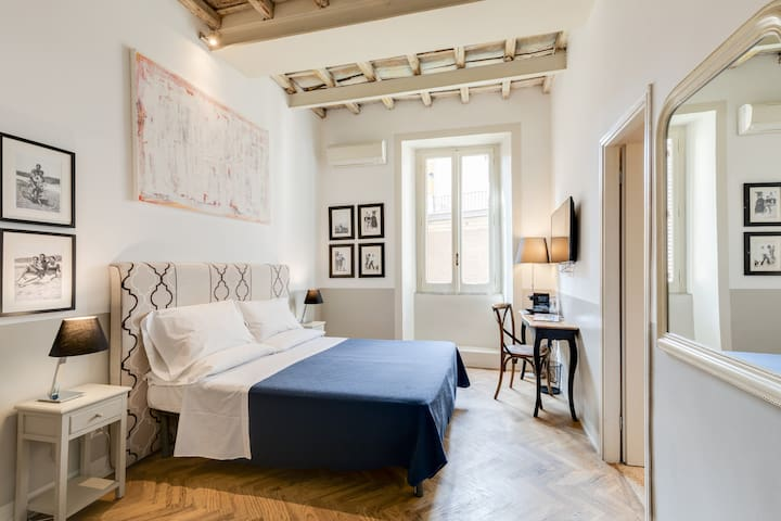 The Bluehostel - Double or twin bedroom ensuite