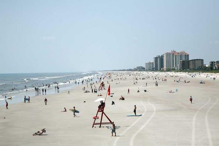 杰克逊维尔海滩(Jacksonville Beach)的民宿