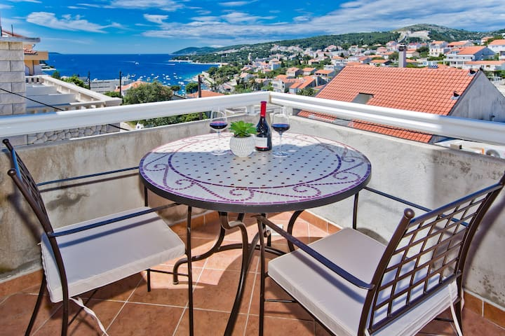 Sea view apartment in Hvar town