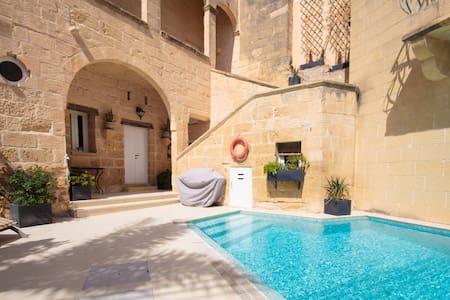 Cosy fully renovated farmhouse Gozo