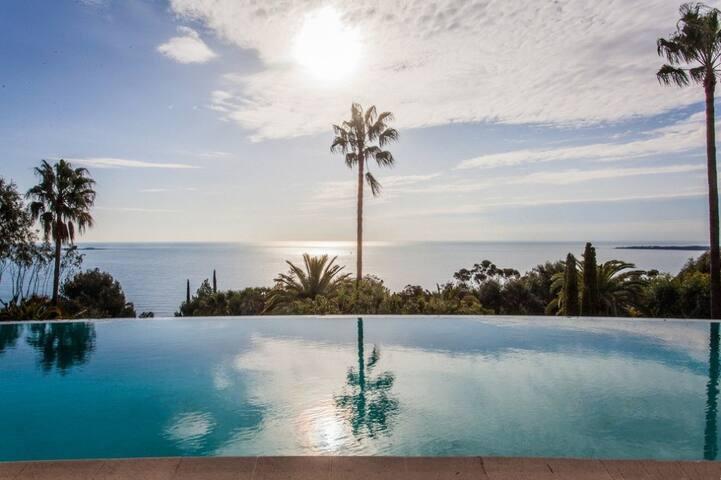 Appartement contemporain vue mer panoramique