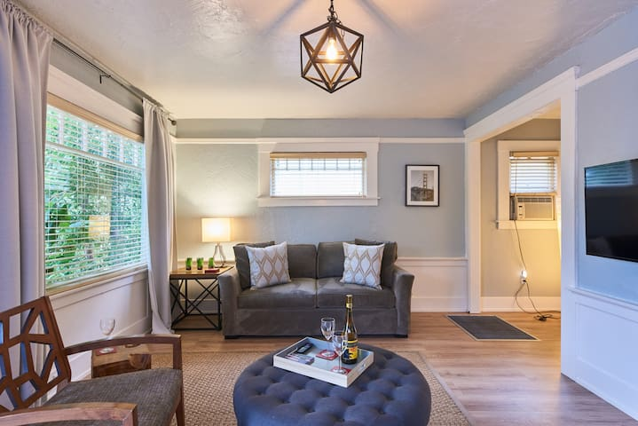 Boutique Bungalow 1 by Waterfront and Ferry to SF