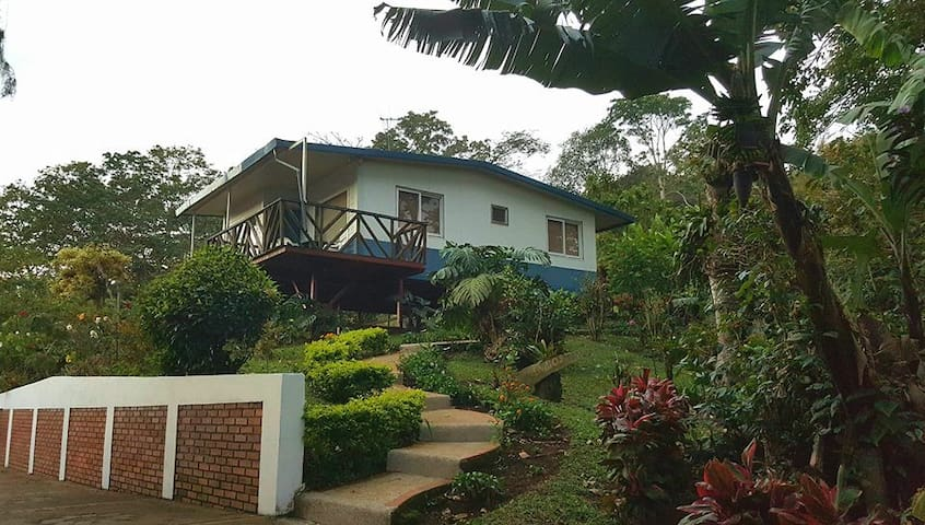 Villas Valle Bello Ujarrás | Vista Bella Cabin