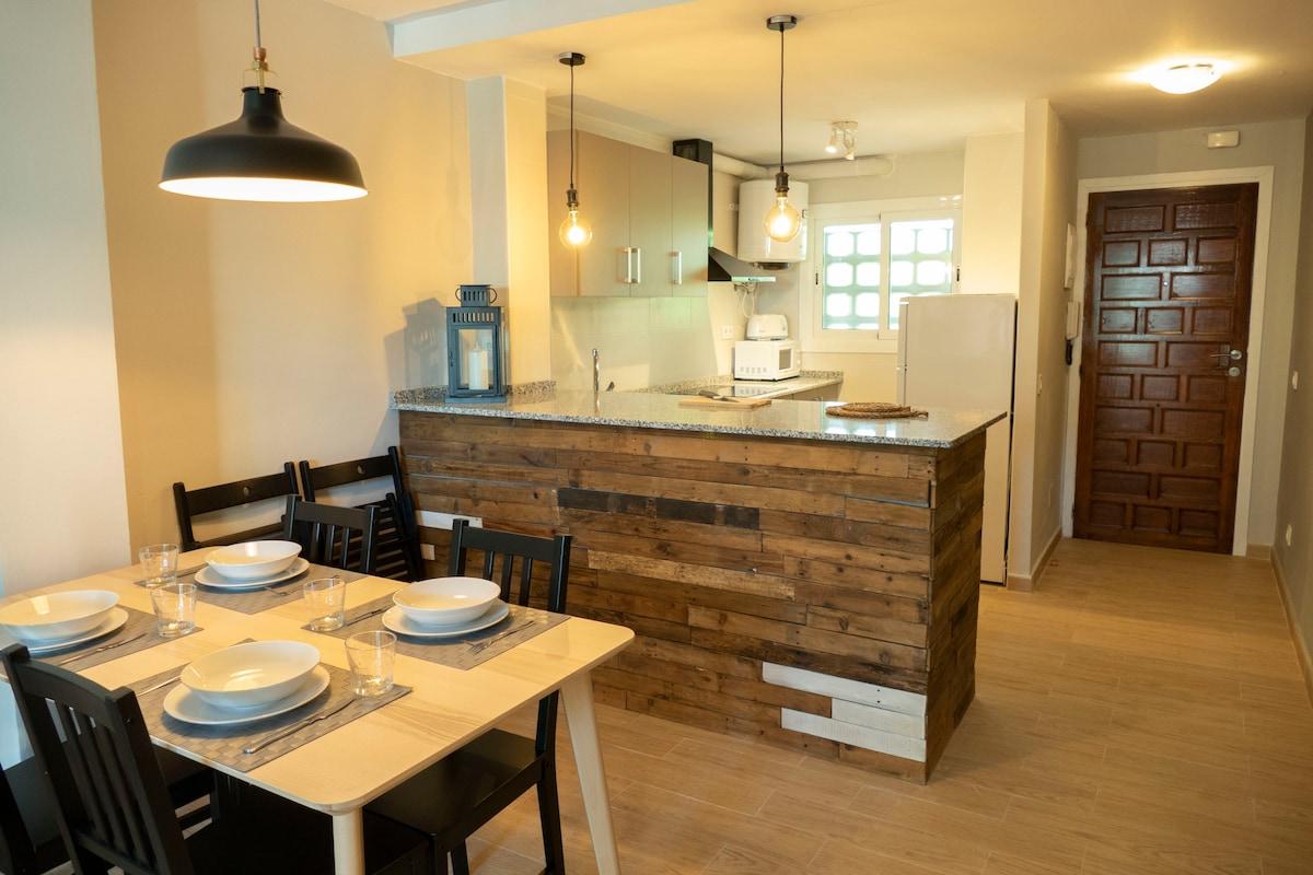 New Apartment 15' to Port Aventura 5' to beach