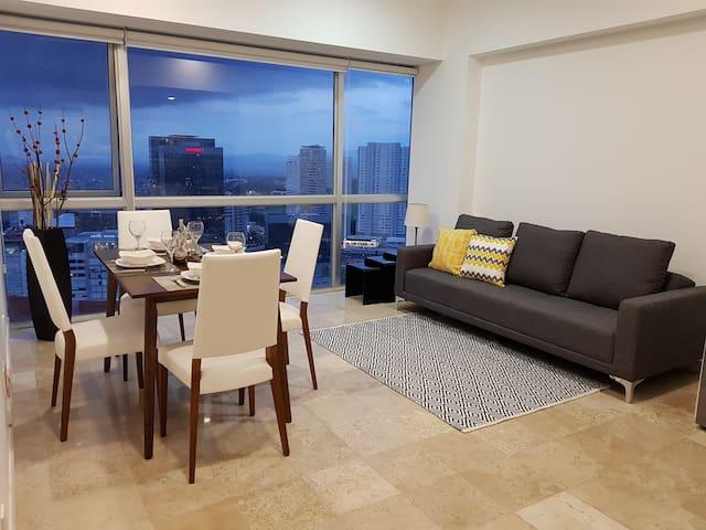 Luxury apartment / panoramic view.
