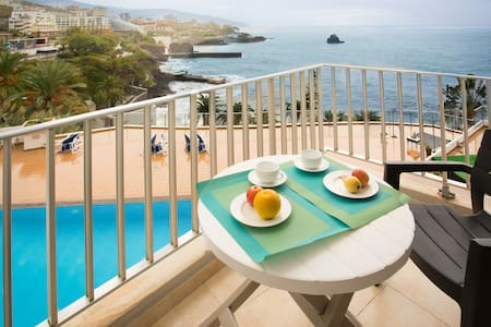 Apartment Blue Mar - Breathtaking View & Pool