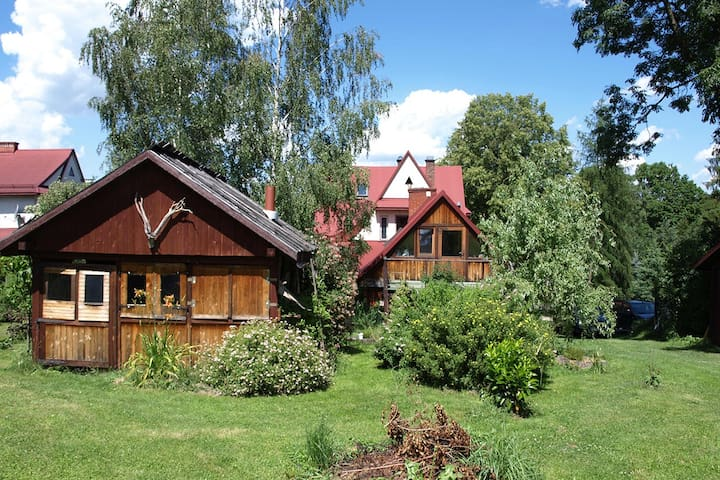 Home in the Linden Garden