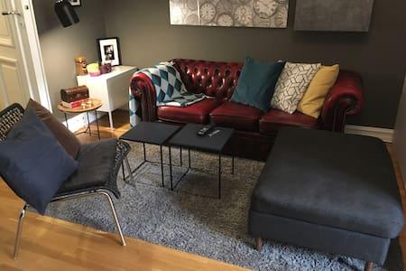 Comfy doublebed in 18m2 room close to Bogstadveien