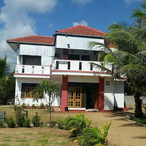 Addalaichenai的民宿