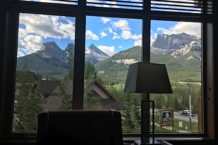 1b/1b Luxury condo-majestic mountain views!!!