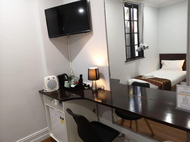 Twin room with shared bathroom(Non-smoking)