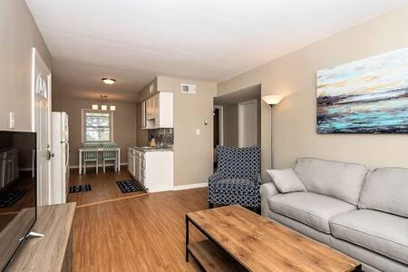 Beach Cottage Coral Suite