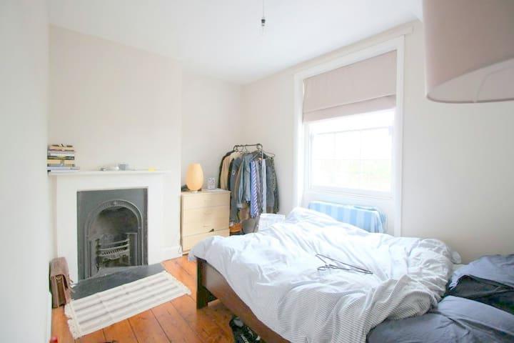 Spacious room in Brixton