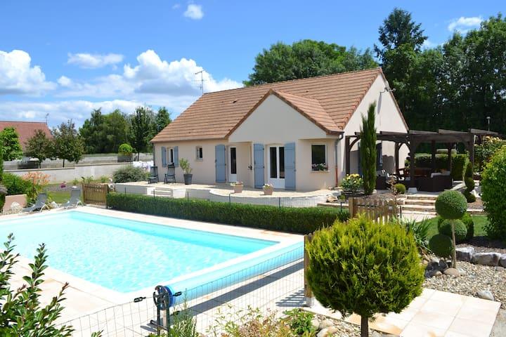 Chevigny-en-Valière的民宿