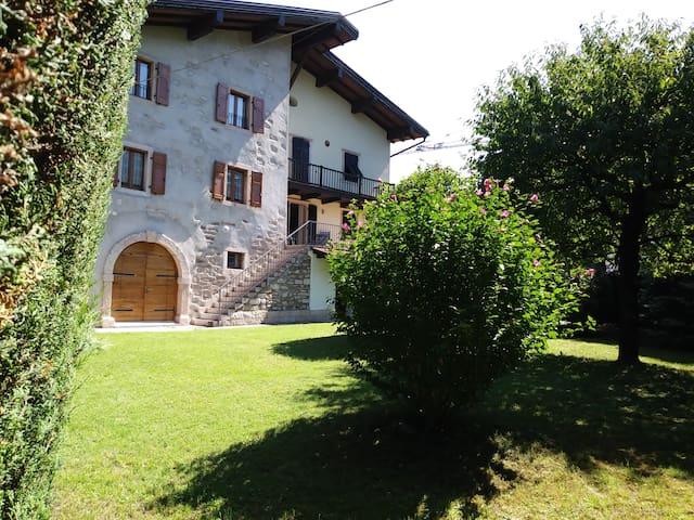 Vigolo Baselga的民宿