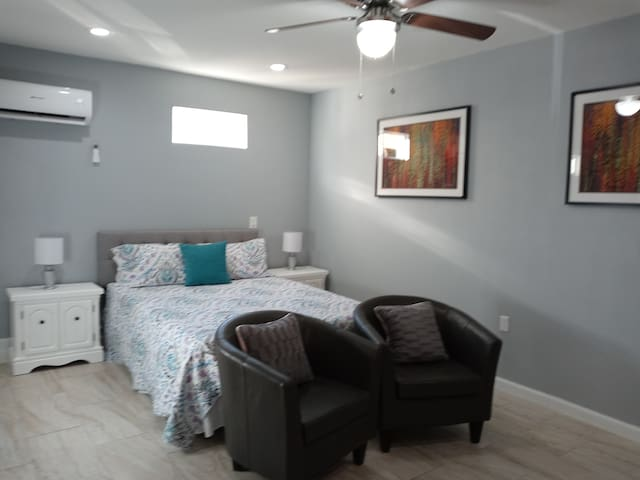 Charming and private studio close to Summerlin.