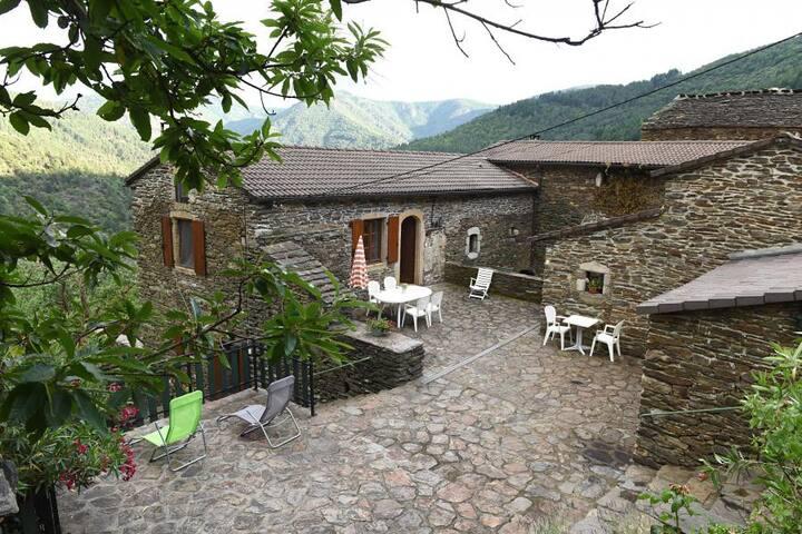 Dompnac的民宿