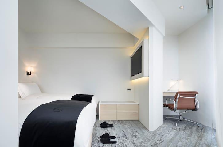 LV旅游指南推荐 Twin Room – Breakfast