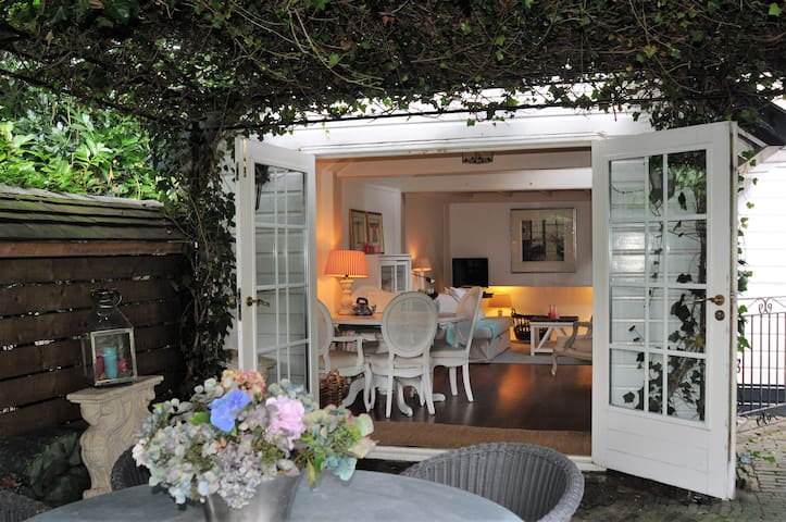 Cosy country style guesthouse - close to Amsterdam