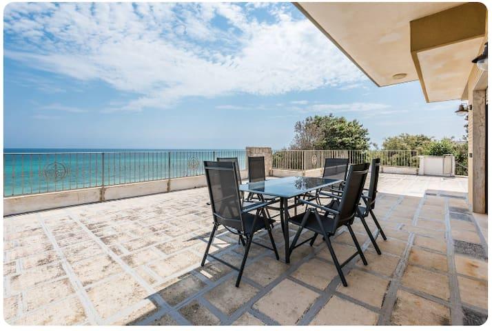 Villa Capitolo - Terrace with fantastic sea view