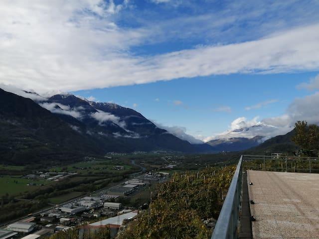 Castione Andevenno的民宿