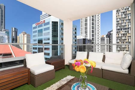 Homely Stylish & Spacious in the Heart of the City