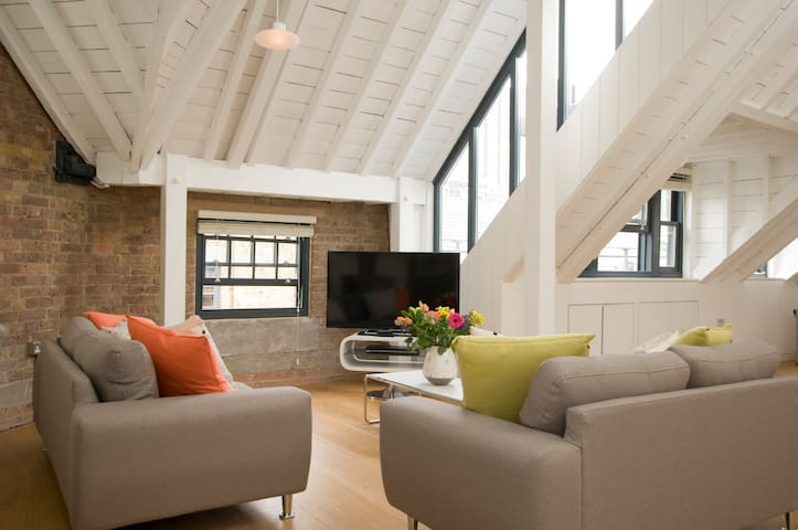 SACO Covent Garden Arne Street Three Bed