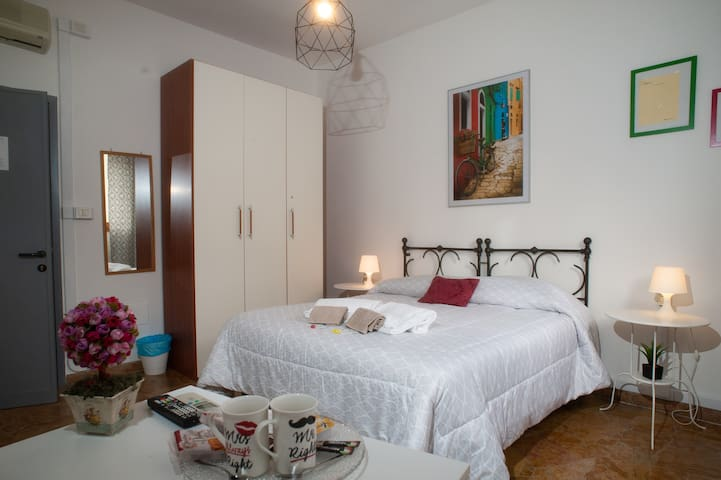 2)Easy & Stylish, 3 minutes walk from SMN Station