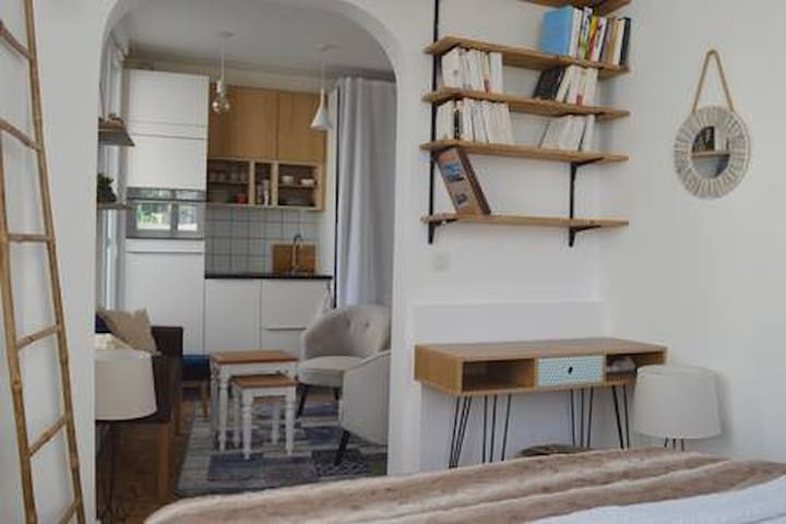 Nice little studio, well located, cosy and bright