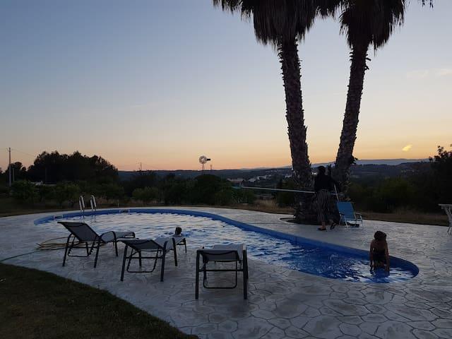 Romantic studio-Tuscany-like views-6km from beach